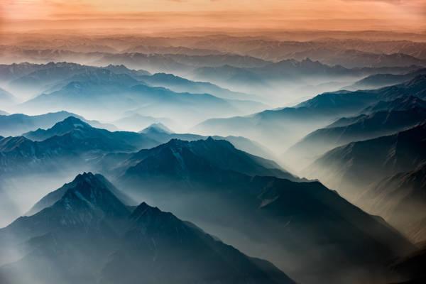 Frank Zschieschang - Himalaya in Layers | blinq.art