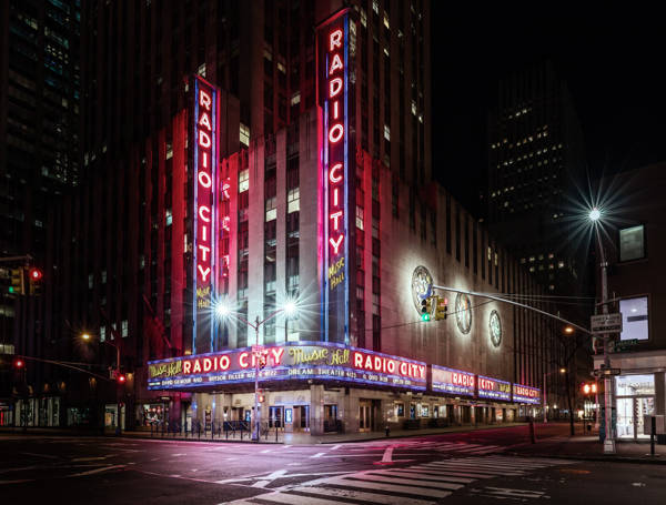 Ludwig Favre - Radio City | blinq.art