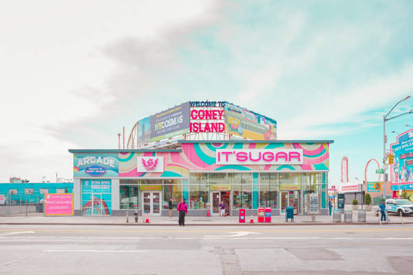 Salvador Cueva - Coney Island I | blinq.art