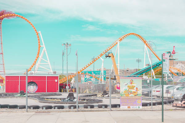 Salvador Cueva - Coney Island IV | blinq.art
