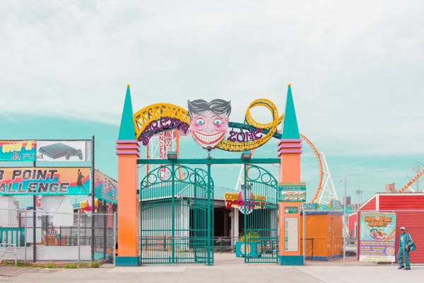Salvador Cueva - Coney Island VII | blinq.art