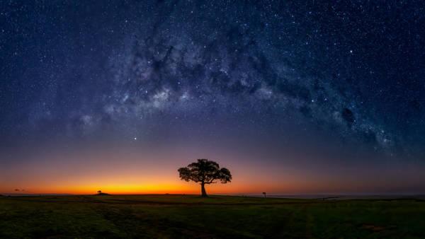Hua Zhu - Masamara Milky Way | blinq.art