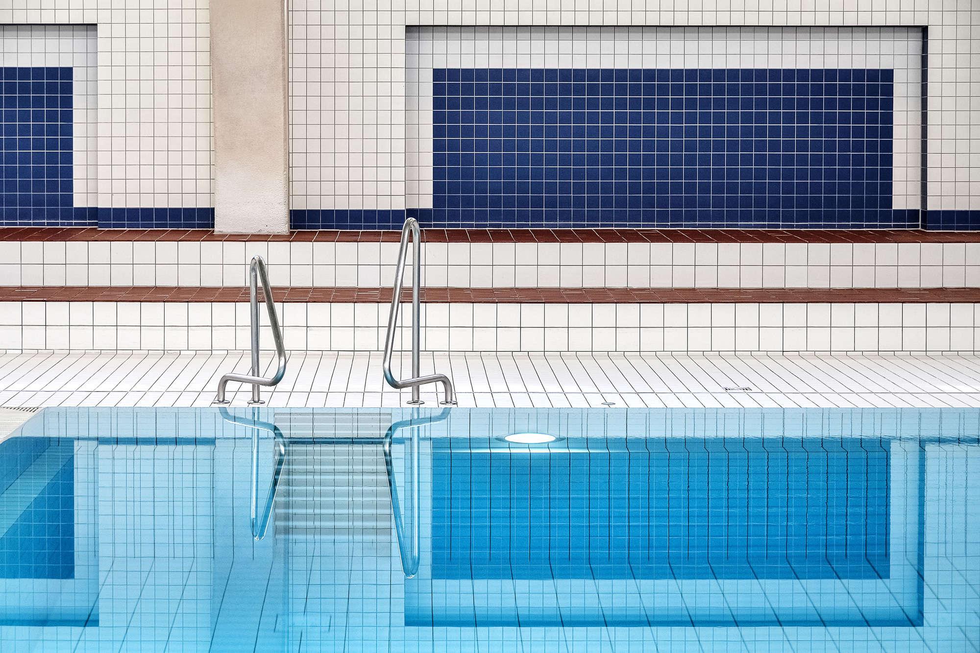 Renate Reichert - Swimming Pool Tiles