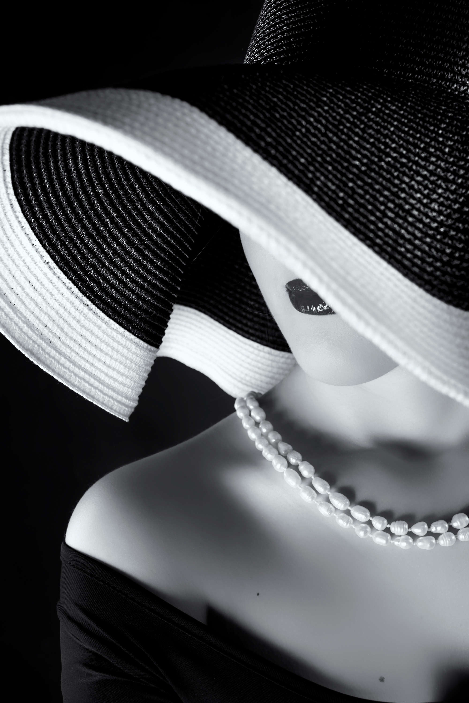 Ruslan Bolgov - The Lady in Pearls