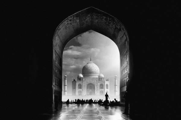 Hussain Buhligaha - Taj Mahal   blinq.art
