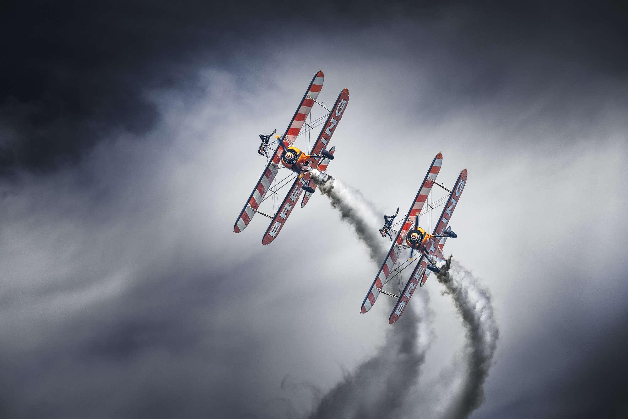 Leon - Biplane Race